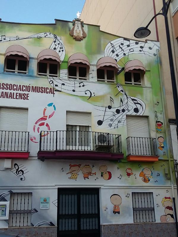grafiti fachada 1t